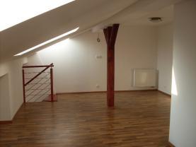 Pronájem, byt 2+kk, mezonet, 55 m2, Praha 9 - Vysočany