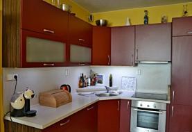 kuchyň (Pronájem, byt 2+kk, 55 m2, Praha 9, ul. Nademlejnská), foto 3/15