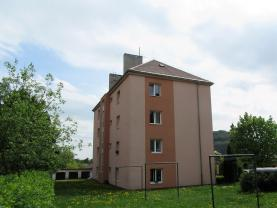 Zadní pohled na dům (Prodej, byt 3+1, garáž, Nový Bor, ul. Skalická), foto 2/22