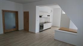 Pronájem, byt 2+kk, 75 m2, Pardubice