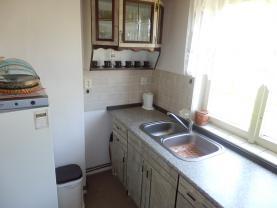 Kuchyně 2 (Prodej, chata 4+1, 921 m2, Malý Chlumec), foto 4/33