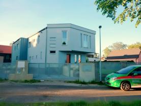 Pronájem, rodinný dům 4+1, 144 m², Praha 6 - Suchdol