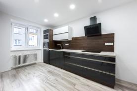 Kuchyně  (Prodej, byt 3+1, 77 m2, DV, Teplice, ul. Aloise Jiráska), foto 4/16