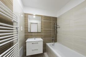 Koupelna  (Prodej, byt 3+1, 77 m2, DV, Teplice, ul. Aloise Jiráska), foto 2/16