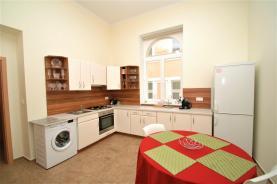 DSC_0024_2 (Prodej, byt 3+1, 110 m2, Karlovy Vary, ul. Lázeňská), foto 2/11