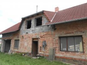 Prodej, rodinný dům 3+1, 1195 m2, Trnávka