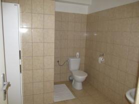 WC a sprcha (Pronájem, obchodní prostory, Ostrava, ul. Frýdecká), foto 4/9