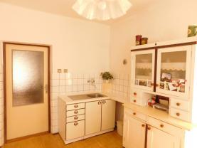 kuchyně (Prodej, rodinný dům, Týnec nad Labem), foto 2/39
