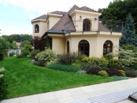 Prodej, rodinný dům 10+1, 2209 m2, Vranov u Brna