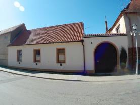 Prodej, rodinný dům 3+1, 92 m2, Police