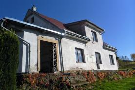 Prodej, rodinný dům 6+2, 2549 m2, Rozsochatec