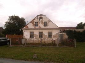 Prodej, rodinný dům, 1850 m2, Šternberk- Lhota