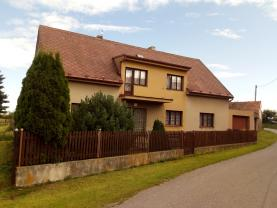 Prodej, rodinný dům 5+2, 2.961 m2, Pokřikov