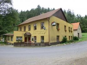 Prodej, restaurace a rodinný dům, pozemek 6394 m2, Desná