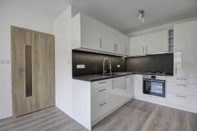 Prodej, byt 2+1, 65 m2, Český Těšín