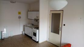 Pronájem, byt 1+1, 28 m2, Plzeň, ul. Bzenecká