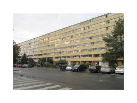 Prodej, byt 1+kk, 34 m2, Praha 9, se zasklenou lodžií