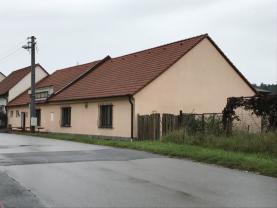 Prodej, rodinný dům - restaurace, 1174 m2, Popovice