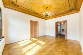 IMG_8903 copy (Prodej, byt 4+1, 125 m2, Praha 1, Staroměstské nám.), foto 2/11