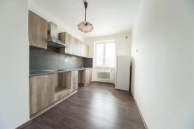 Prodej, byt 3+1, Slavětín u Načeradce