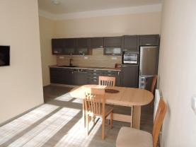 DSCN2655 (Prodej, byt 3+1, 106 m2, Mariánské Lázně, ul. Hlavní třída), foto 2/30