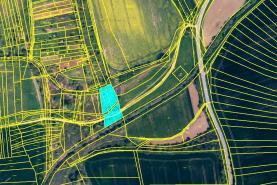 Prodej, orná půda, 2128 m2, Vracov