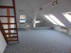 Pronájem, atypický byt 2+kk, 76 m2, Praha 5 - Hlubočepy