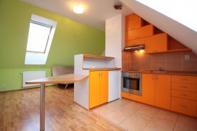 Pronájem, byt 2+kk, 49 m2, Jesenice