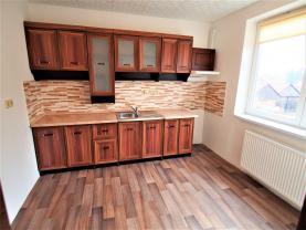 Prodej, byt 4+1, 79 m2, Lošany-Kolín