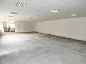 2-vstup do vjezdové garáže (Pronájem, obchodní objekt, 220 m2, Moravská Ostrava), foto 3/7