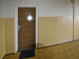 Vchod do bytu (Prodej, byt 3+1, 70 m2, Praha 4 - Chodov, ul. V Jezírkách), foto 4/9