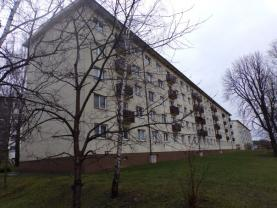 celkový pohled na dům ze zahrady (Prodej, byt 2+1, Milovice, ul. Spojovací), foto 2/7