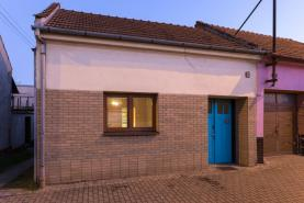 Prodej, rodinný dům 3+2, Staré Město, Huštěnovská