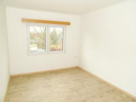 Pronájem, byt 2+kk, 35 m2, Kostelec n. Č. Lesy