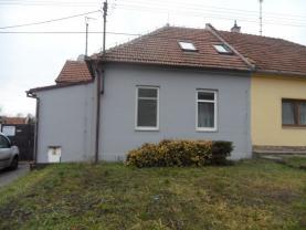 Prodej, výrobní prostory s RD 6+kk, 2112 m2, Holubice