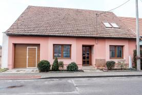 Prodej, rodinný dům, 6+1 m2, Starovice, okr. Břeclav