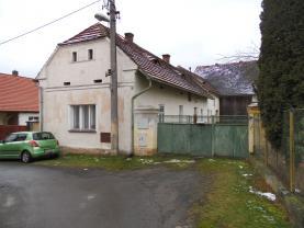 Prodej, rodinný dům 170 m2, Lužany
