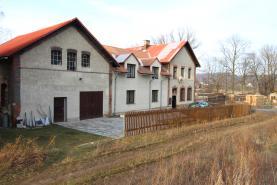 Prodej, rodinný dům 8+2, 410 m2, Mikulovice