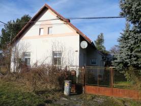 Prodej, rodinný dům 2+1, 2117 m2, Třebčice
