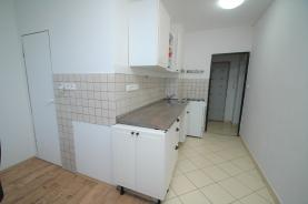 (Prodej, byt 3+1, 73 m2, Karlovy Vary, ul. Dvořákova), foto 2/8