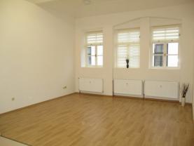 Pronájem, kancelář, 32 m2, Jičín, ul. B. Němcové
