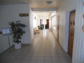Pronájem, nebytový prostor, 660 m2, Pardubice - Polabiny