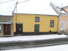 Prodej, rodinný dům 2+1, 233 m2, Plumlov