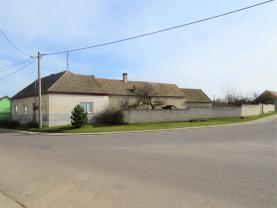 Prodej, rodinný dům 5+kk, 1877 m2, Prosiměřice