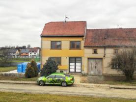 Prodej, rodinný dům 3+1, 817 m2, Letonice