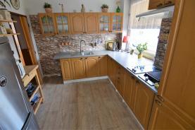 2. patro  - kuchyň (Prodej, vila, Hradec Králové, ul. Na Úvoze), foto 2/40