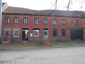Prodej, rodinný dům, zahrada 707 m2, Krumsín