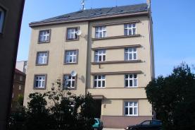 Prodej, byt 1+kk, Hradec Králové, ul. Albertova