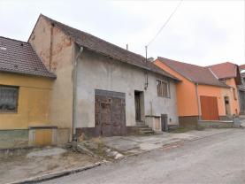 Prodej, rodinný dům 3 + kk, 861 m2, Bohutice