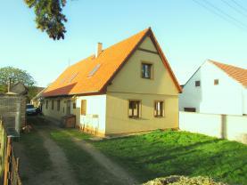 Prodej, rodinný dům, 4+ kk, 3300 m2, Pavlíkov